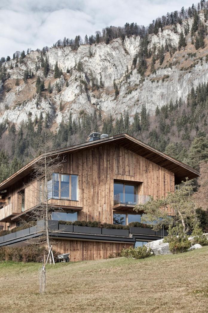 Haus-Wiesenhof-by-Gogl-Architekten-02