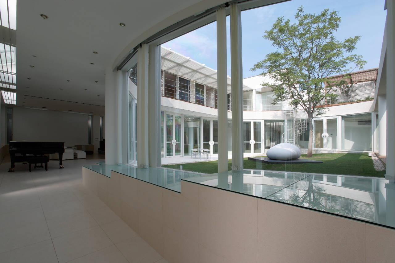 House Like a Museum by Edward Suzuki Associates-02