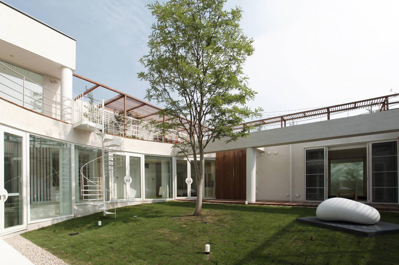 House Like a Museum by Edward Suzuki Associates-03