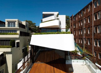 Benelong Crescent Apartments by Luigi Rosselli Architects
