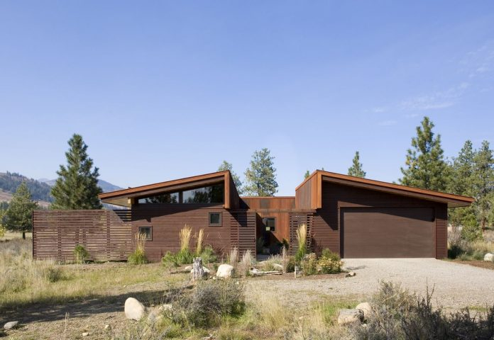 Wolf Creek View Cabin by Balance Associates