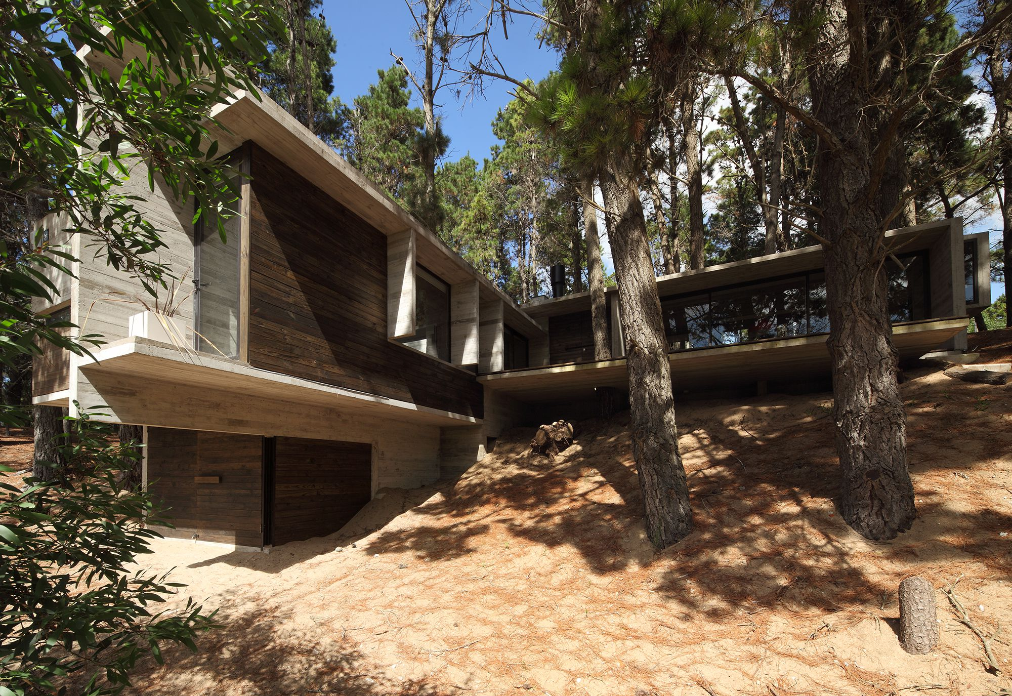 House BB by María Victoria Besonías and Luciano Kruk - CAANdesign | Architecture and home design blog