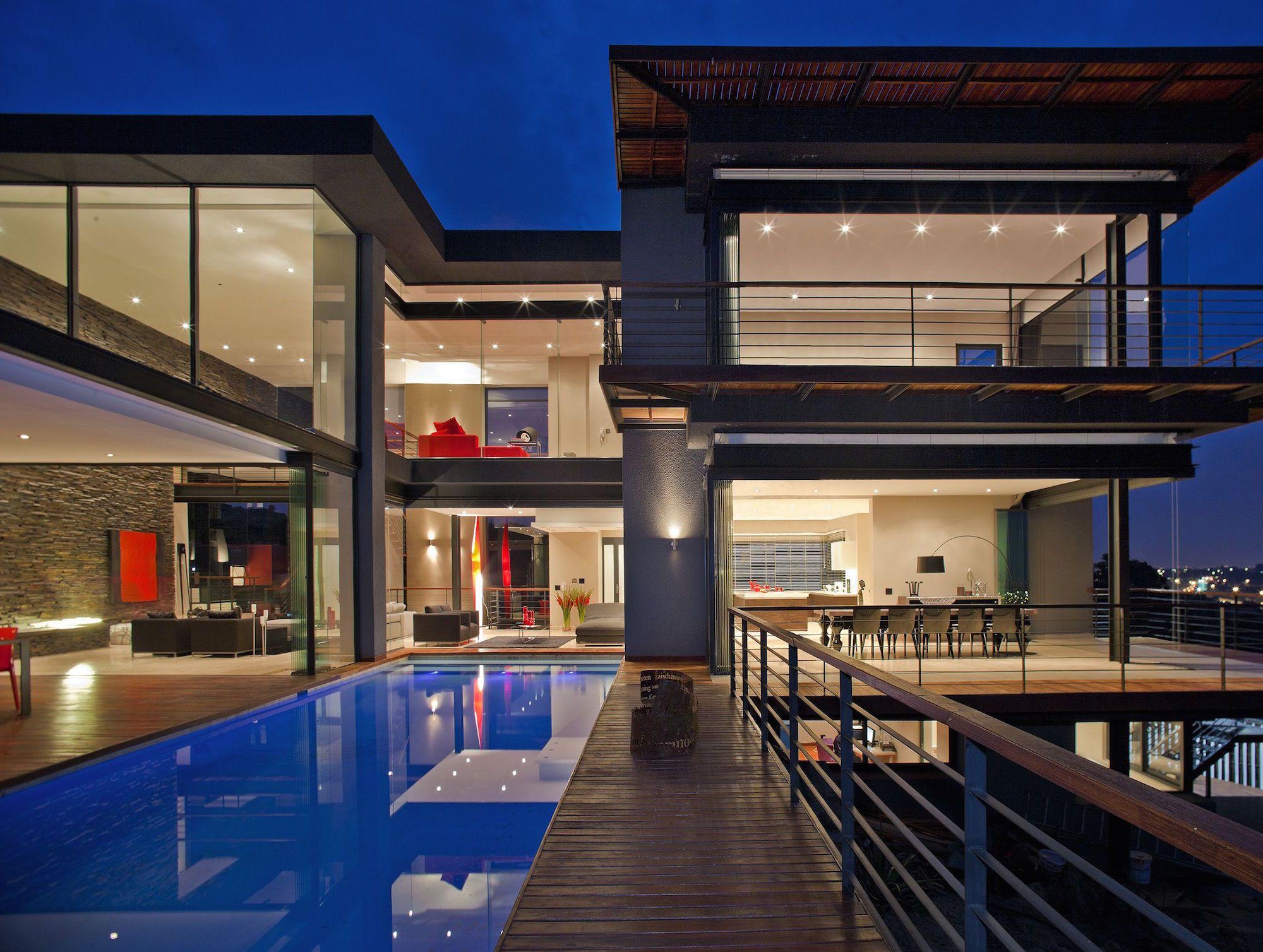 1Nico VD Meulen House Limbarda exterior nite Pan lookinginto house 1