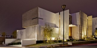 X House by Agraz Arquitectos