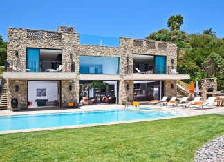Multi-Million Dolar Italian Style House on Malibu Beach