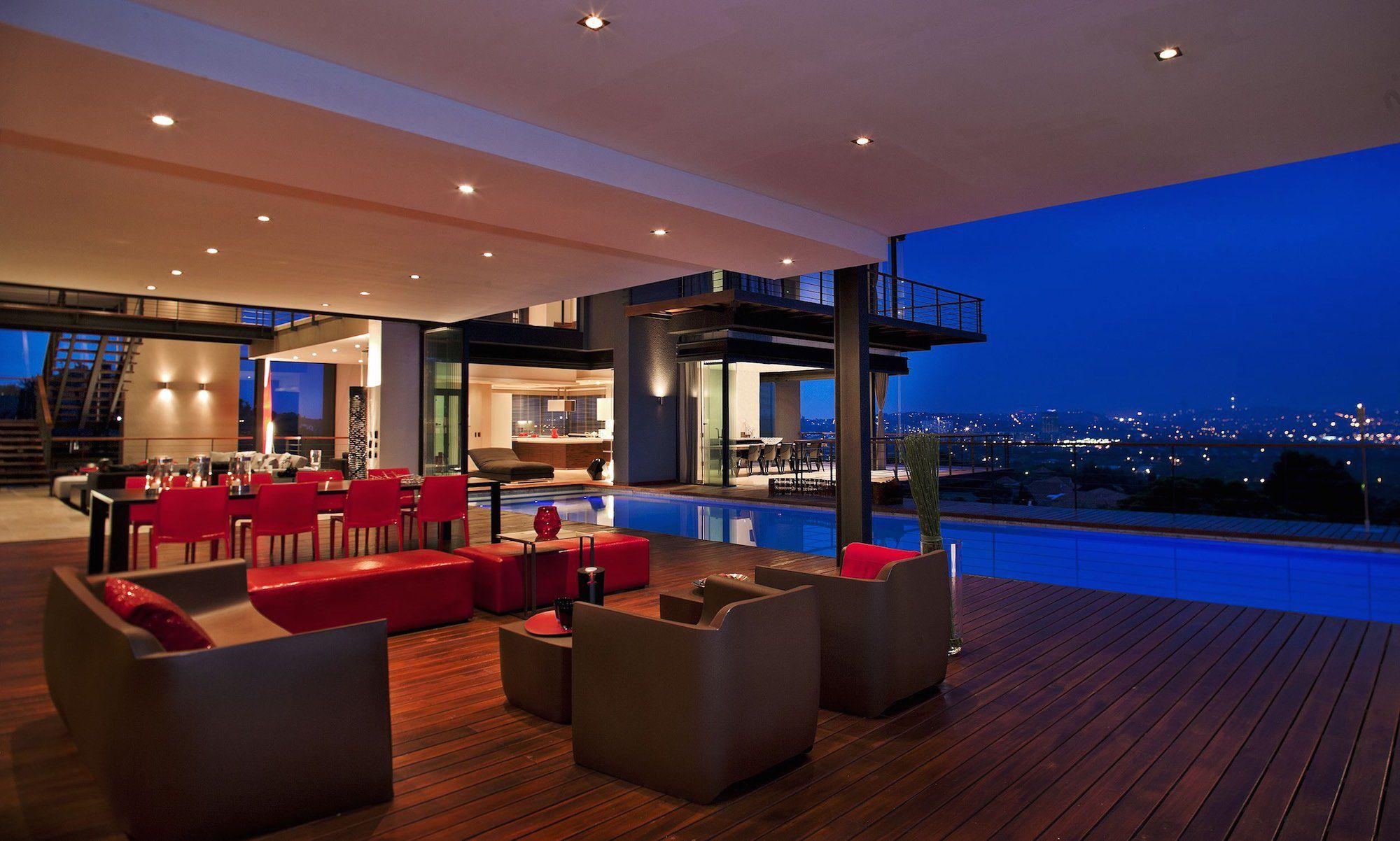 4Nico VD Meulen House Limbarda exterior nite Pan lookinginto house and pool 1
