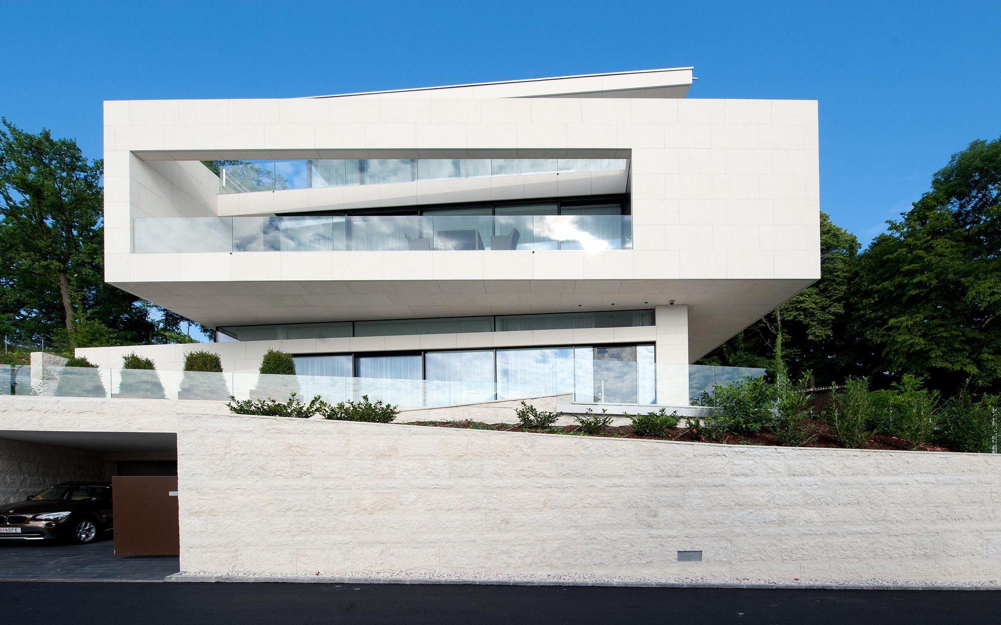 51926223b3fc4b8df0000063_villa-upper-austria-two-in-a-box-architekten_villa_upper_austria_-_01_-_two_in_a_box_-_architekten