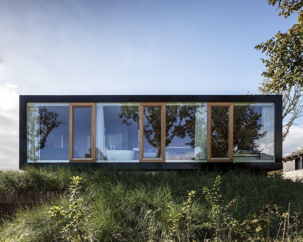 519457d6b3fc4bc96a000182_villa-v-paul-de-ruiter-architects_pdr307