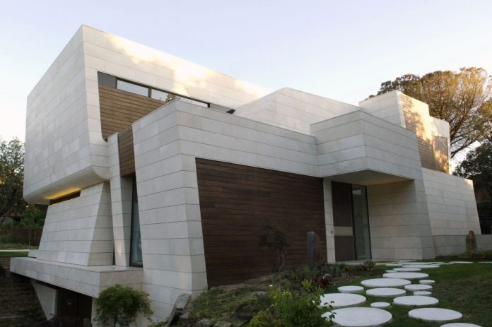 Madrid residence by A-cero