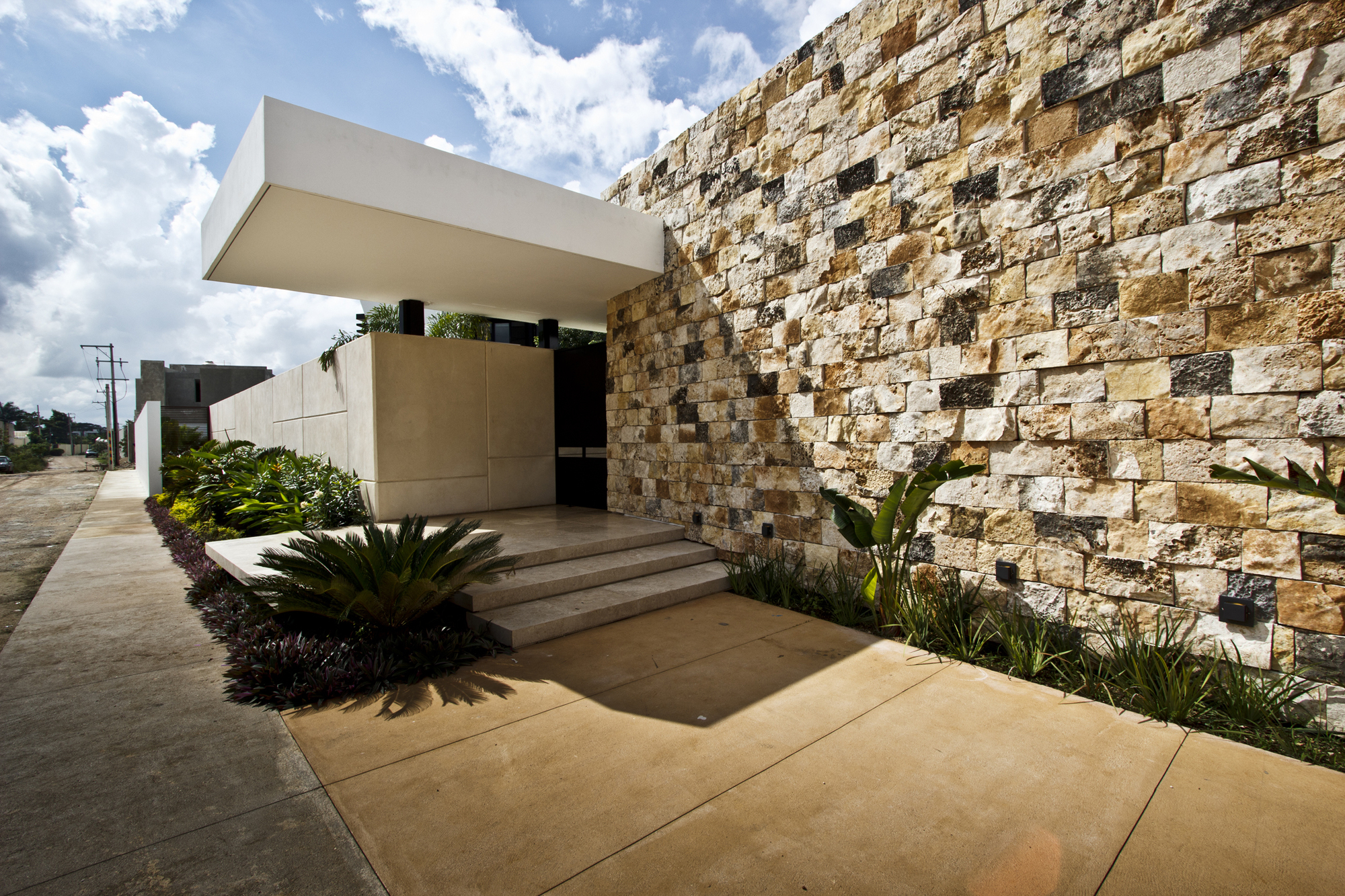 5305f3bee8e44e2ac3000006_temozon-house-carrillo-arquitectos-y-asociados_temozon_foto_03