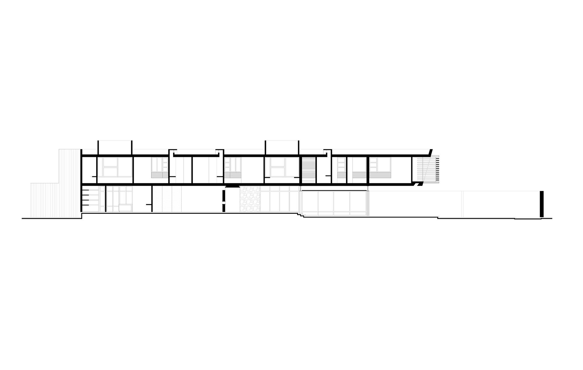 5305f55fe8e44e2ac300000c_temozon-house-carrillo-arquitectos-y-asociados_corte_01