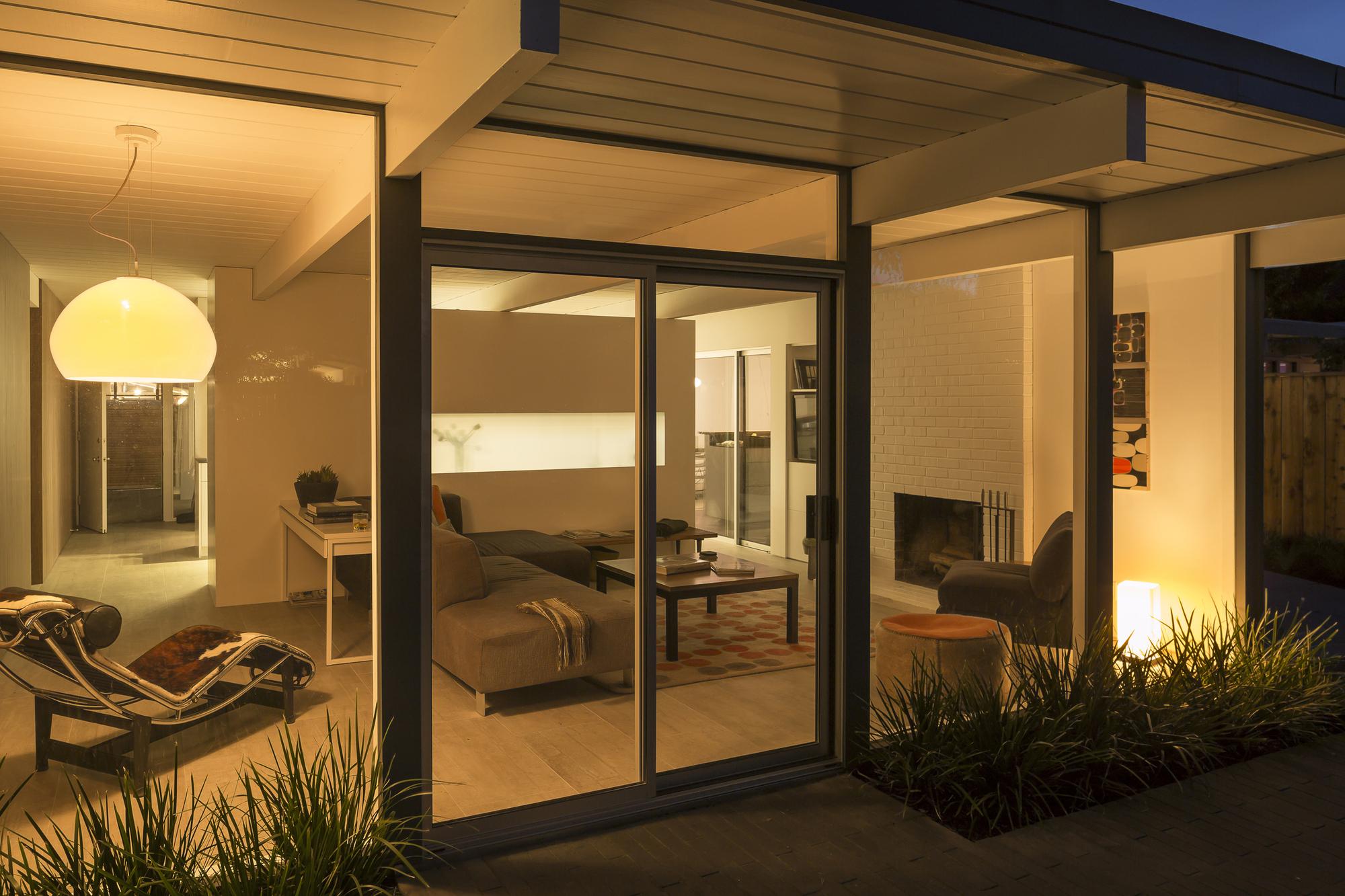 5306c7dcc07a80a2760000d5_shoup-residence-buildin-lab_2880px_hargis_131117_9917