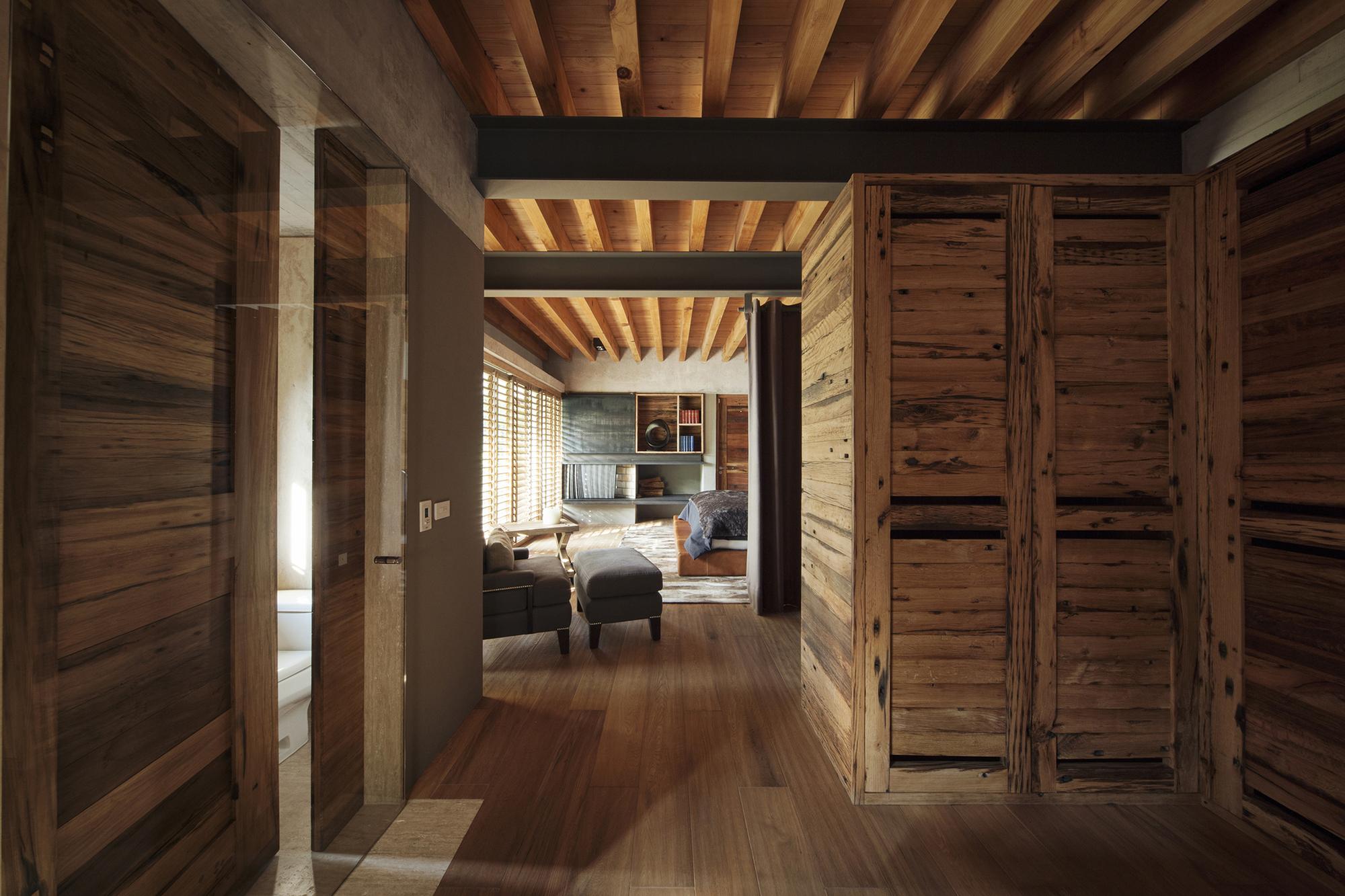 530eb5bac07a802c76000125_house-maza-chk-arquitectura_2014_02_18_mz_fotos_yoshihiro_2280px_ancho_-13-