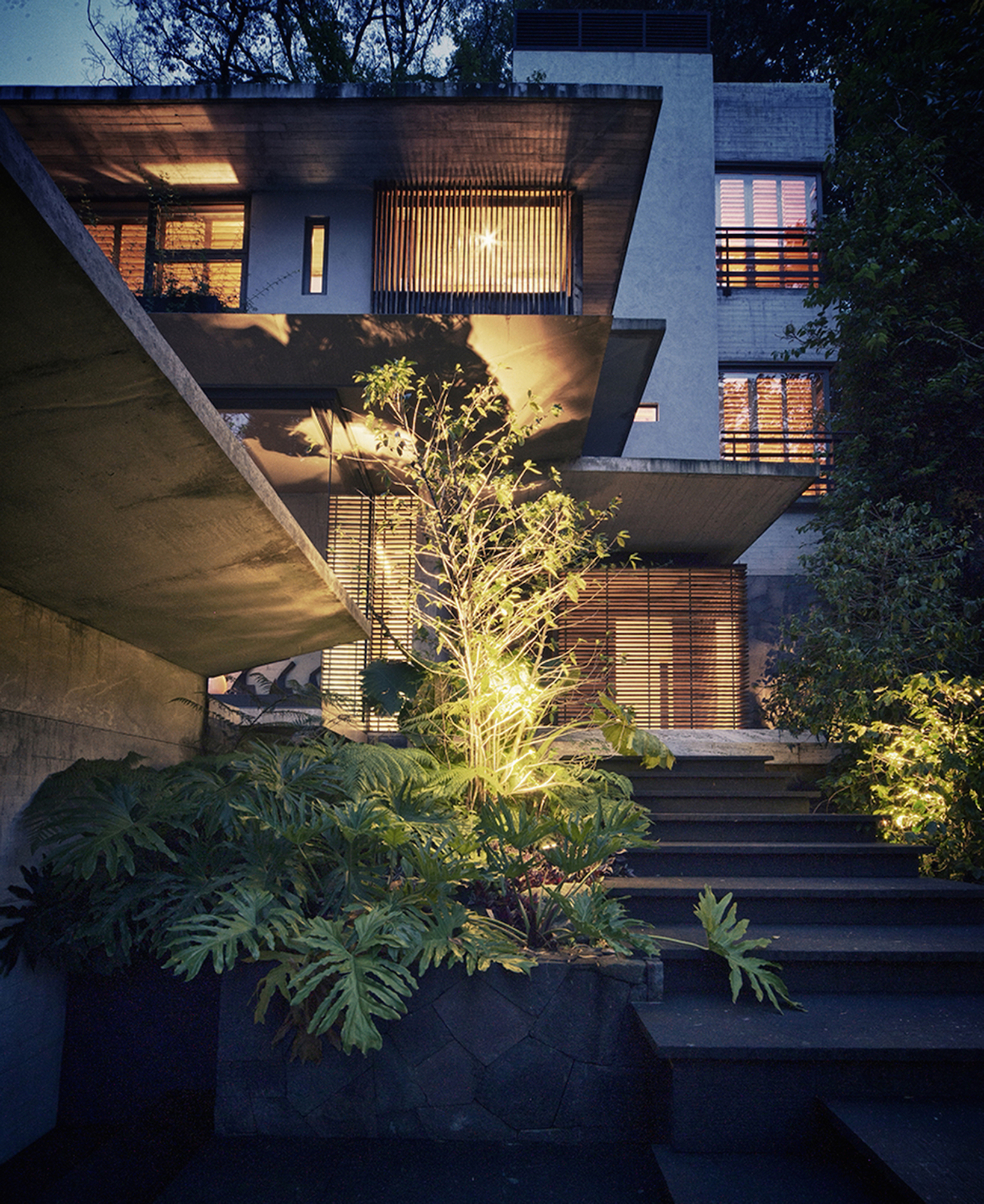 530eb848c07a80ce8b00011d_house-maza-chk-arquitectura_2014_02_18_mz_fotos_yoshihiro_2280px_ancho_-23-