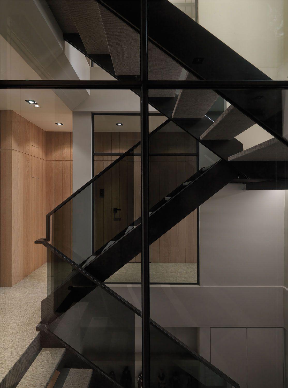 A-Multilevel-Contemporary-Apartment-07
