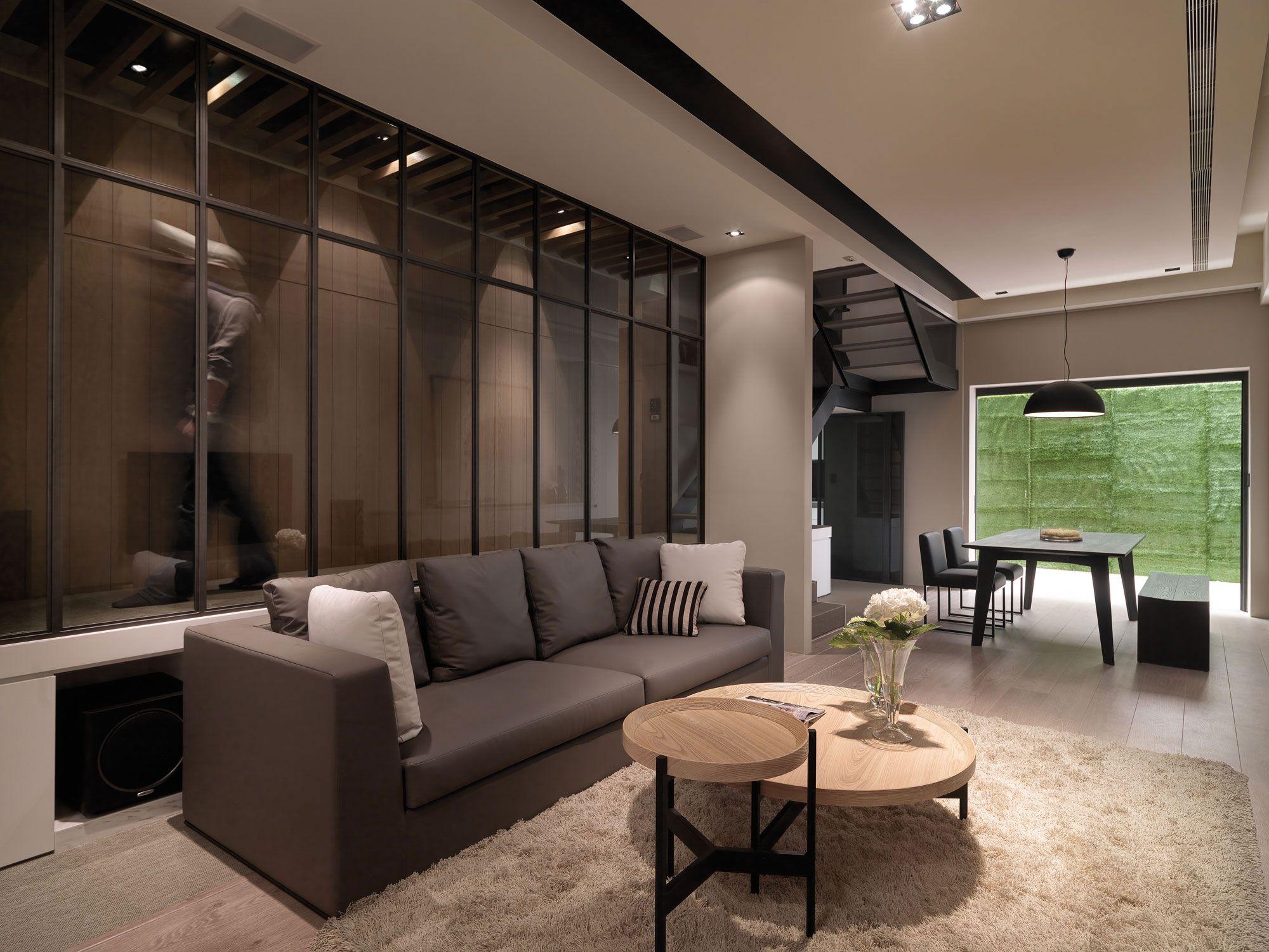A-Multilevel-Contemporary-Apartment-13
