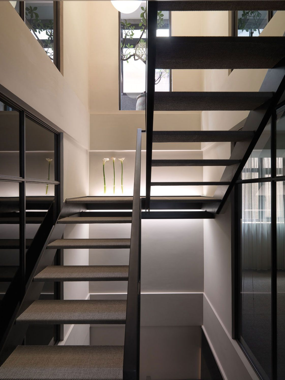 A-Multilevel-Contemporary-Apartment-15