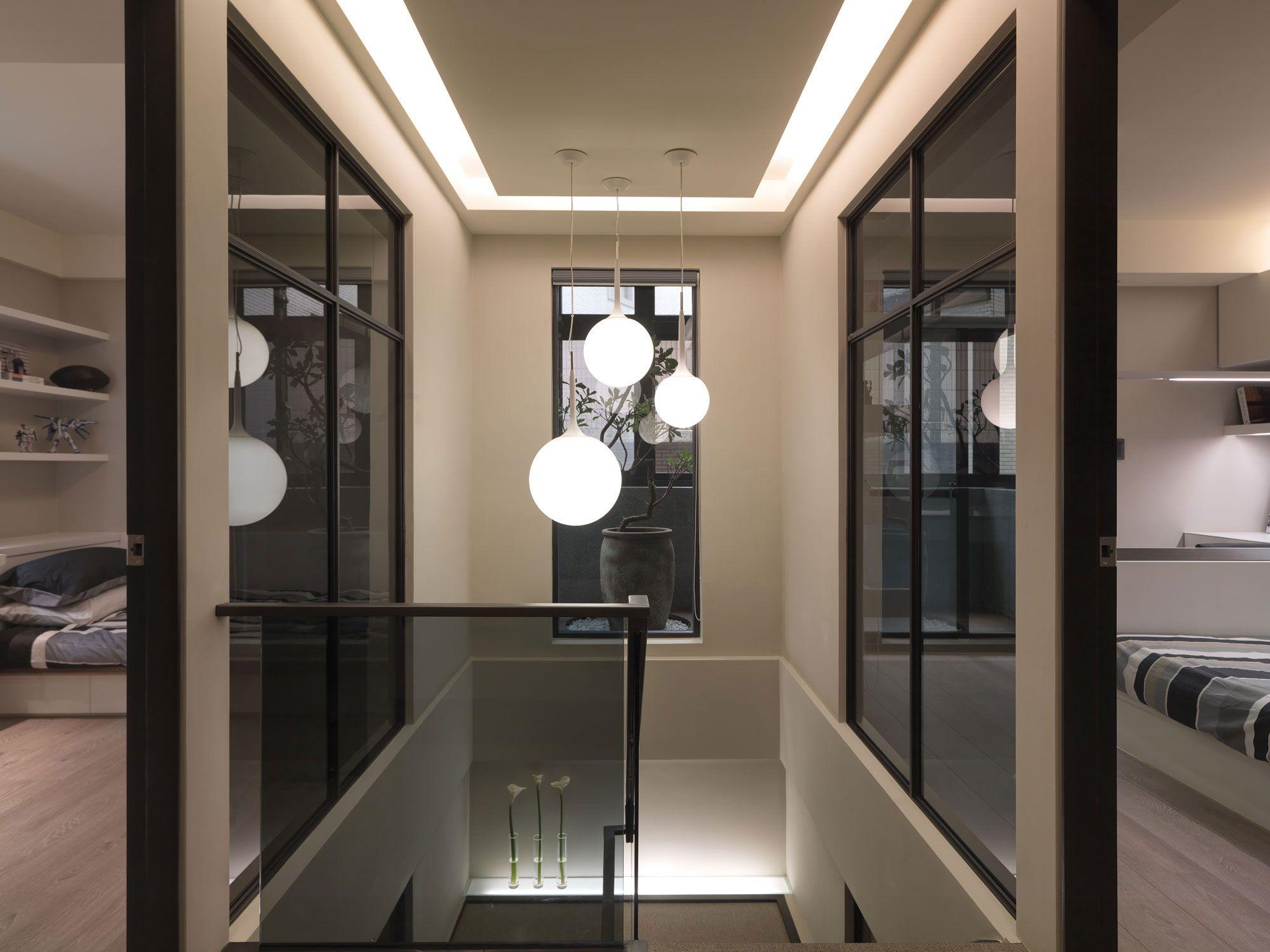 A-Multilevel-Contemporary-Apartment-16