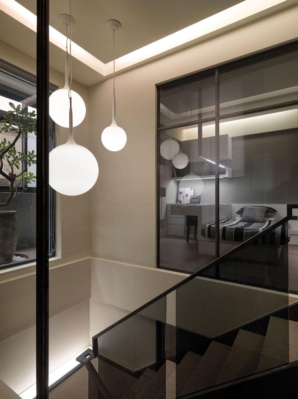 A-Multilevel-Contemporary-Apartment-17