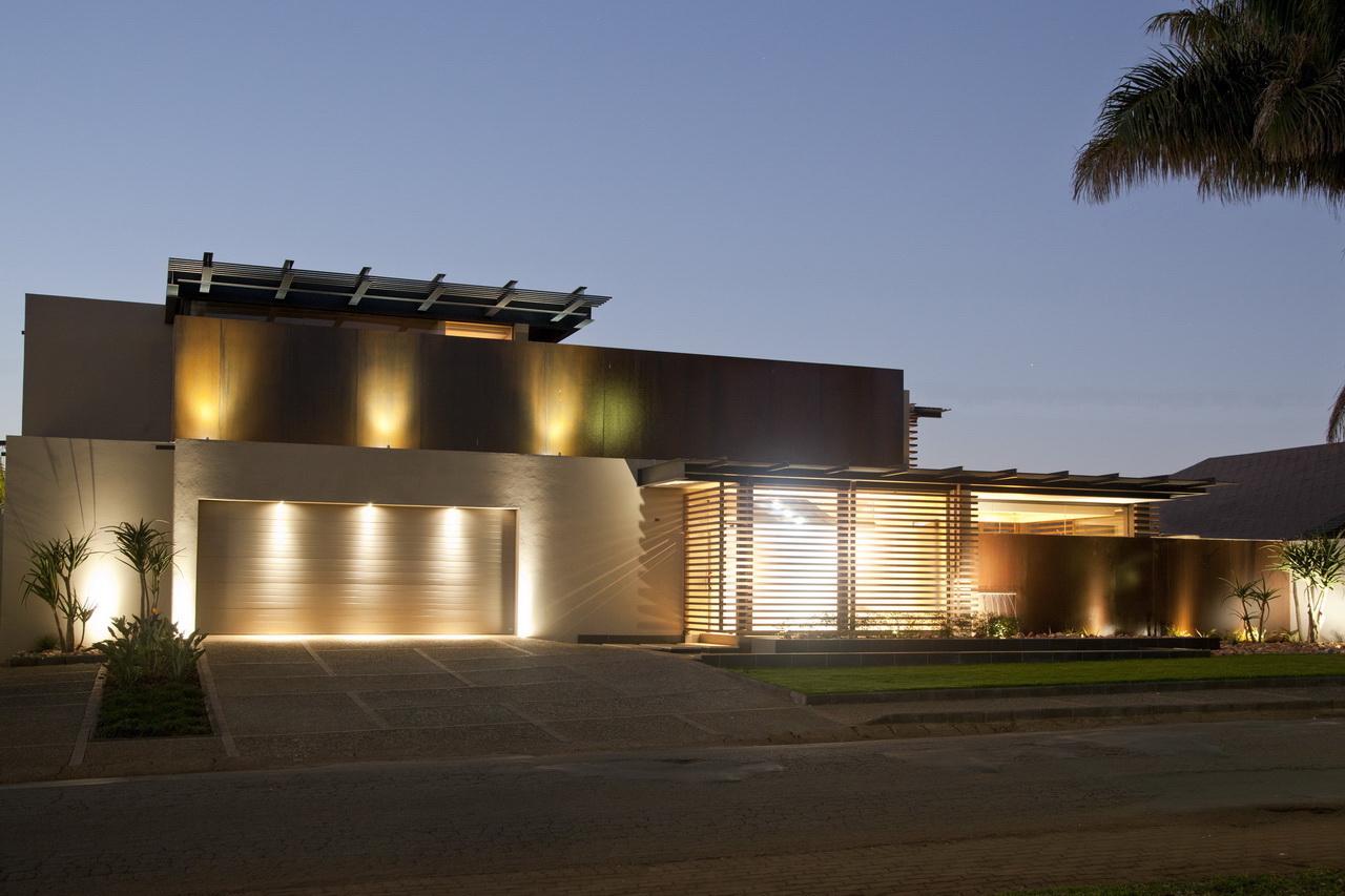 Abo villa by Werner van der Meulen for Nico van der Meulen Architects_01