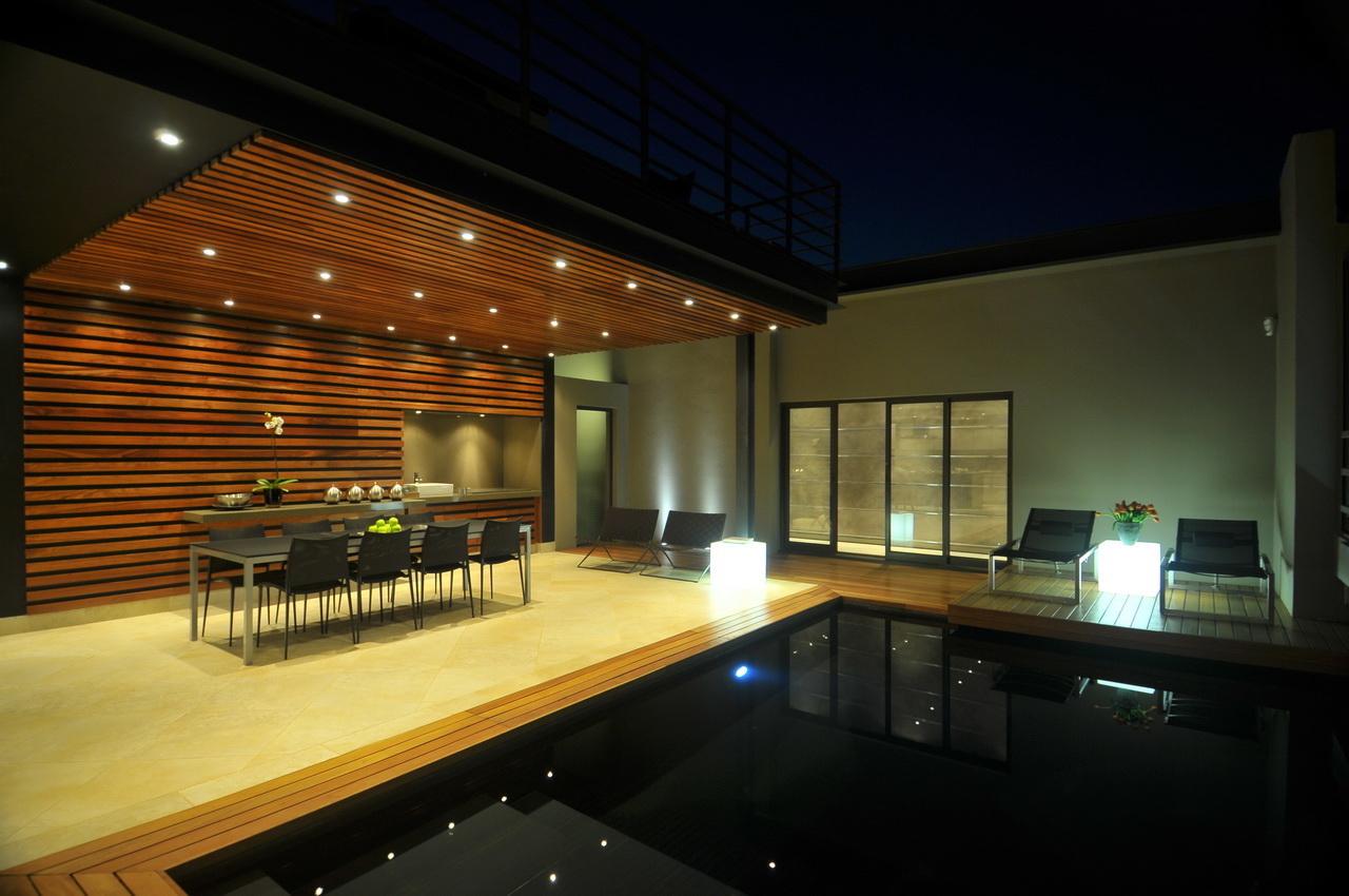 Abo villa by Werner van der Meulen for Nico van der Meulen Architects_13