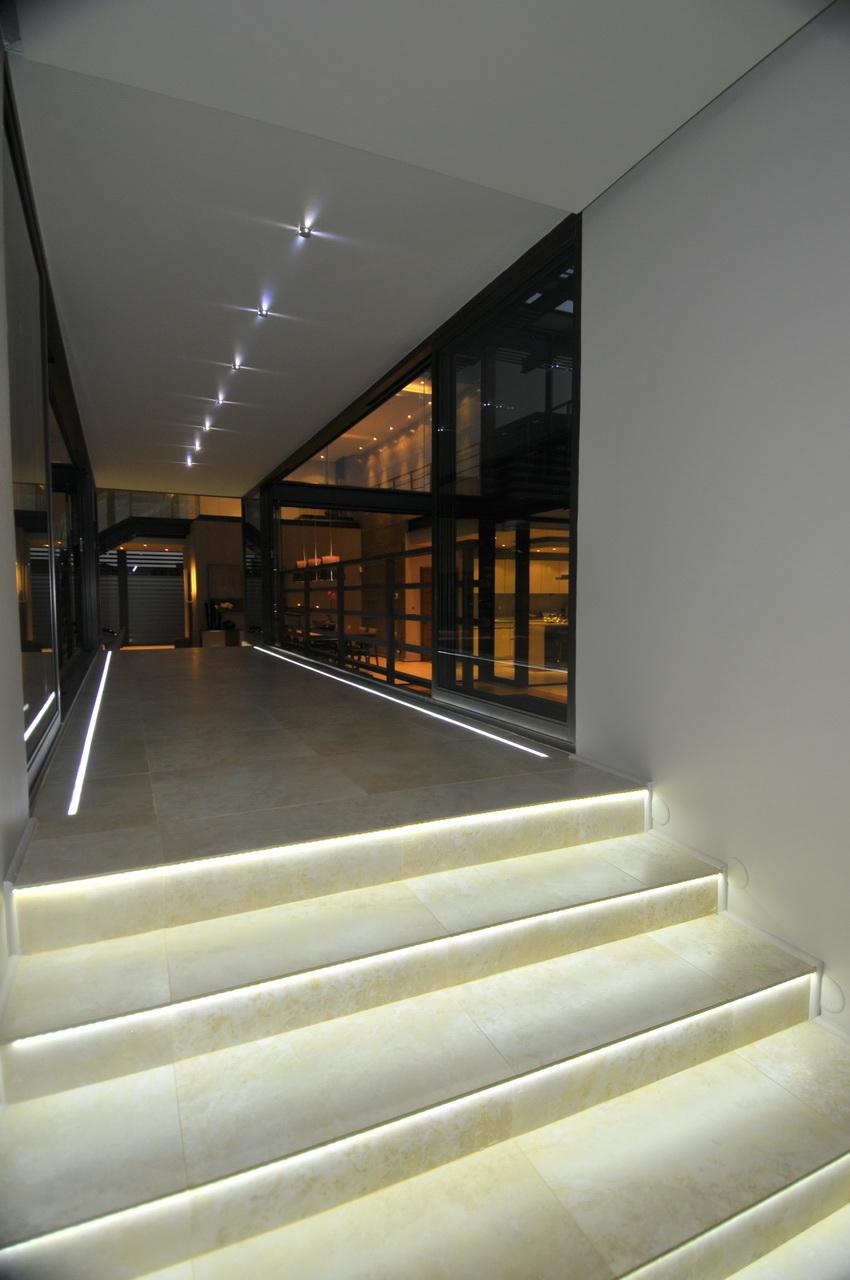 Abo villa by Werner van der Meulen for Nico van der Meulen Architects_22