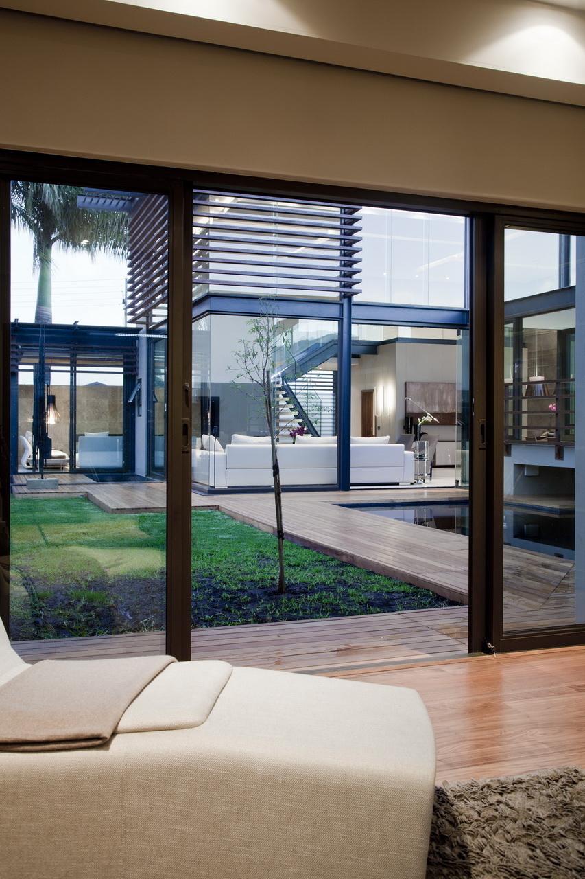 Abo villa by Werner van der Meulen for Nico van der Meulen Architects_26
