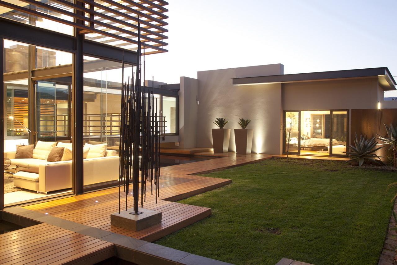 Abo villa by Werner van der Meulen for Nico van der Meulen Architects_30