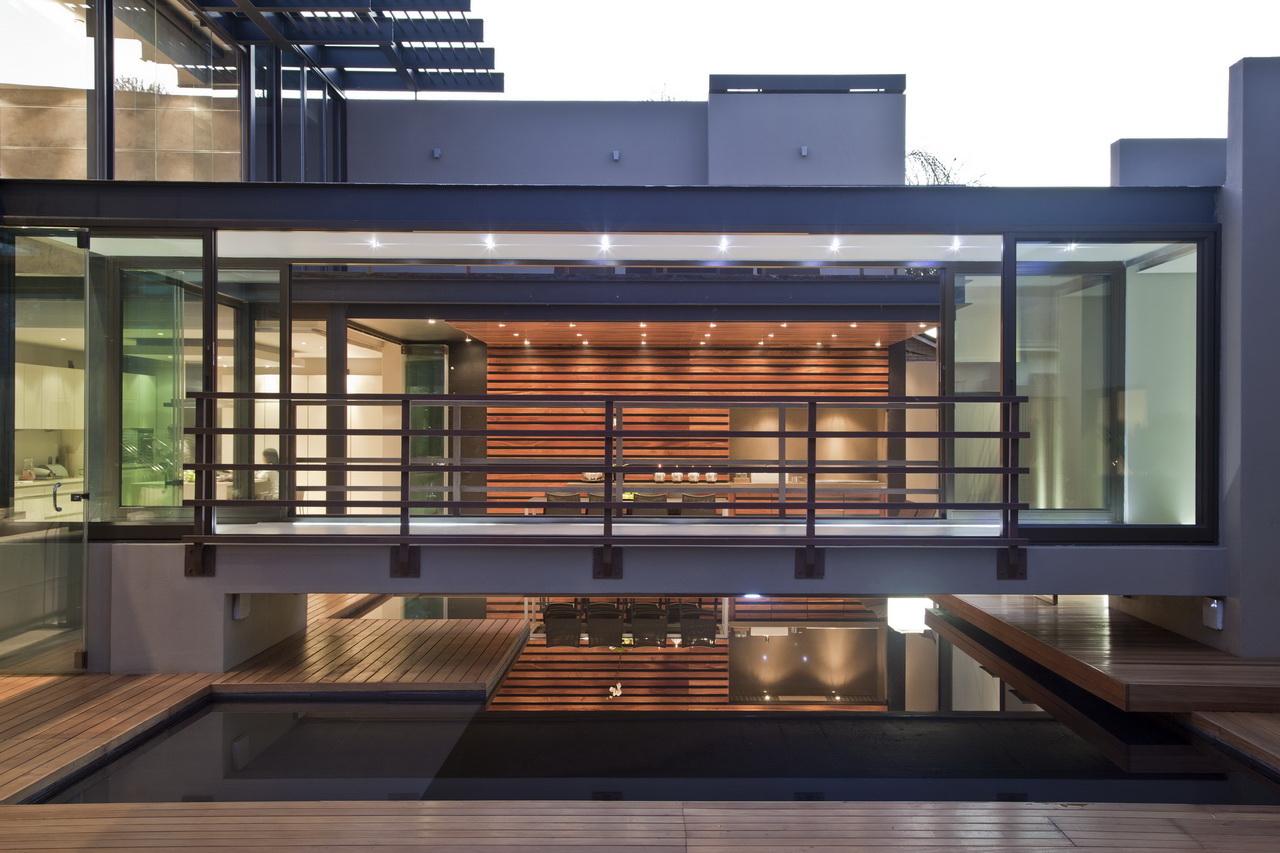 Abo villa by Werner van der Meulen for Nico van der Meulen Architects_33