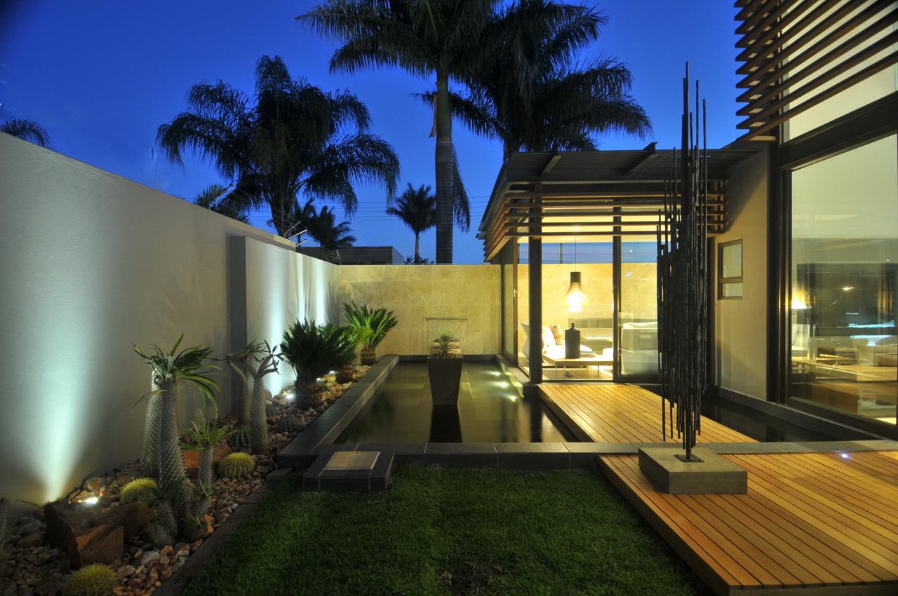 Abo villa by Werner van der Meulen for Nico van der Meulen Architects_35