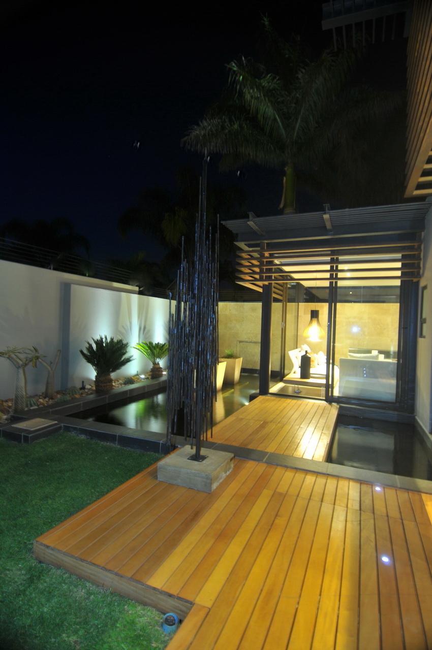 Abo villa by Werner van der Meulen for Nico van der Meulen Architects_36