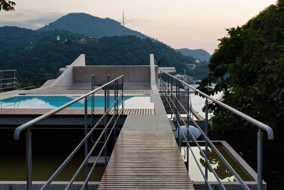 Beautiful-Concrete-House-in-Ubatuba-25-0