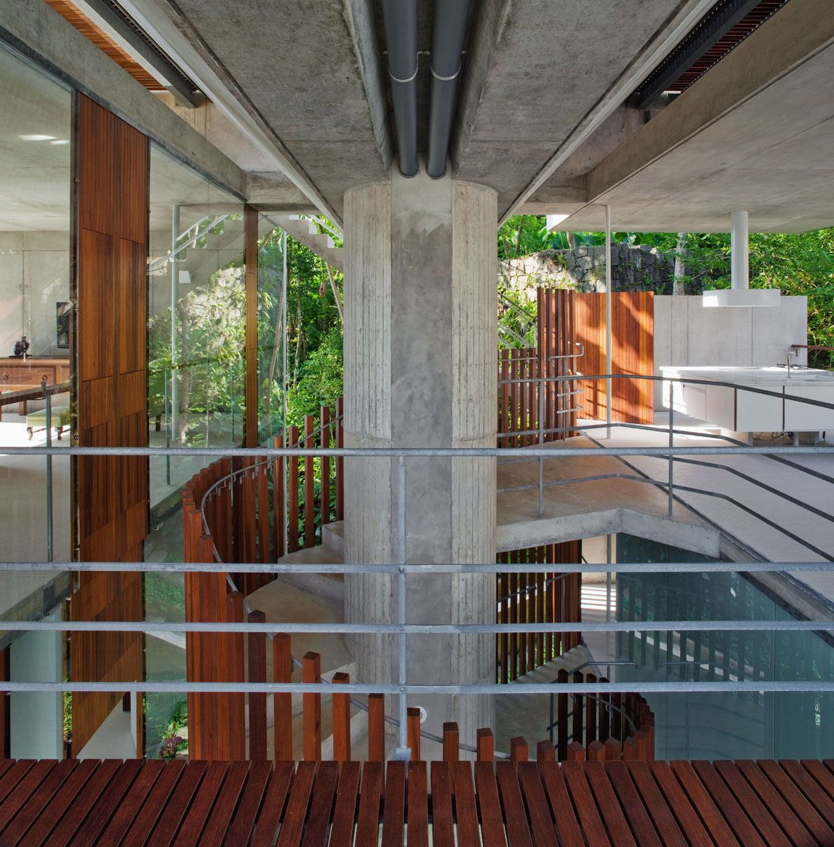 Beautiful-Concrete-House-in-Ubatuba-26