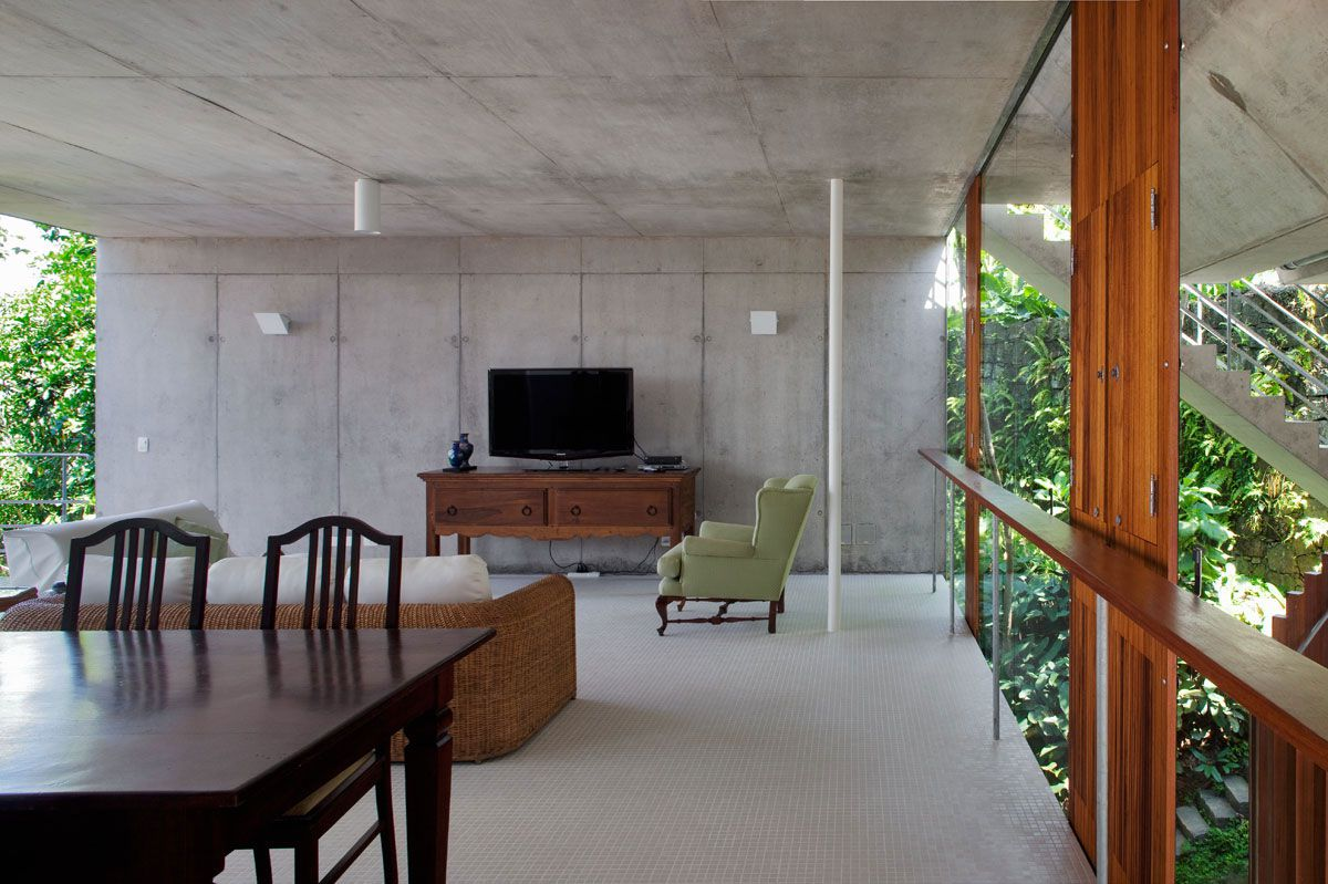 Beautiful-Concrete-House-in-Ubatuba-32