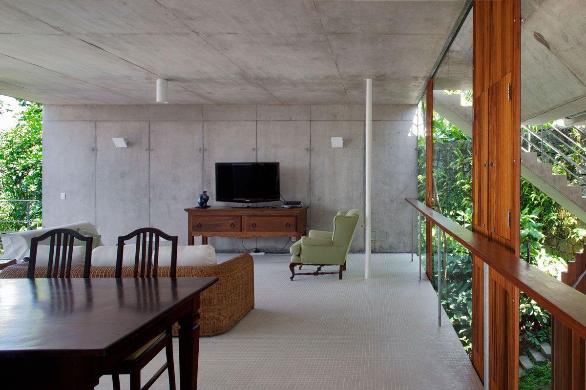Beautiful-Concrete-House-in-Ubatuba-32