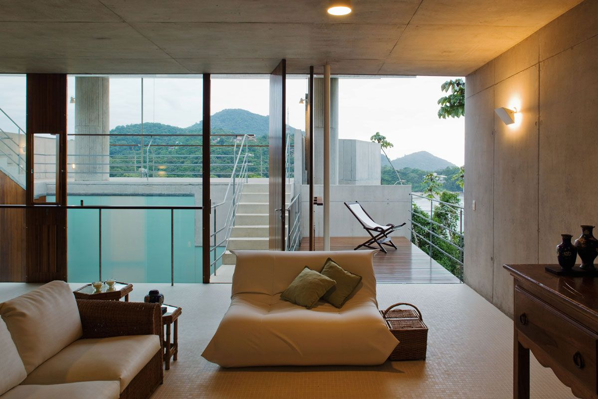 Beautiful-Concrete-House-in-Ubatuba-33