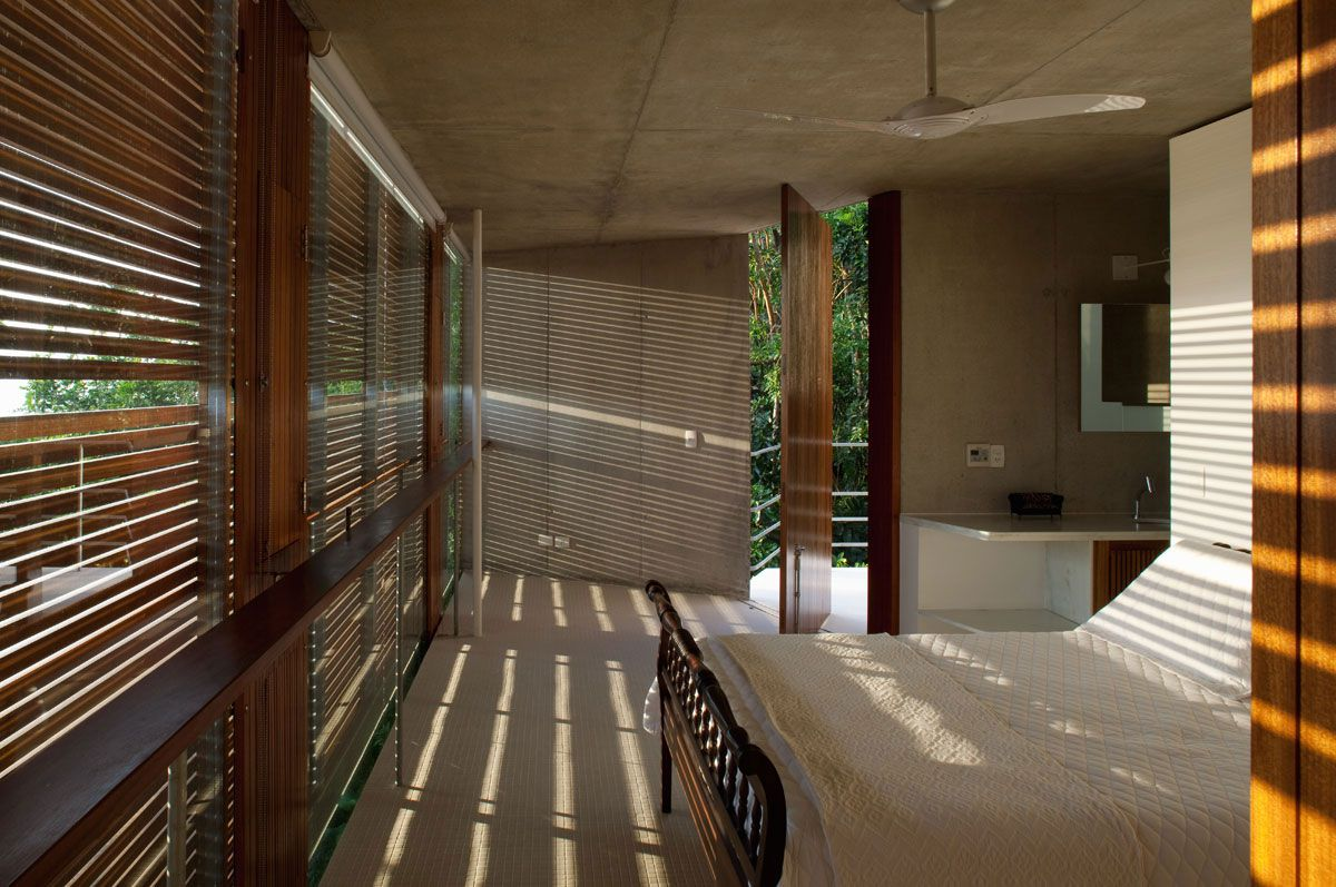 Beautiful-Concrete-House-in-Ubatuba-34