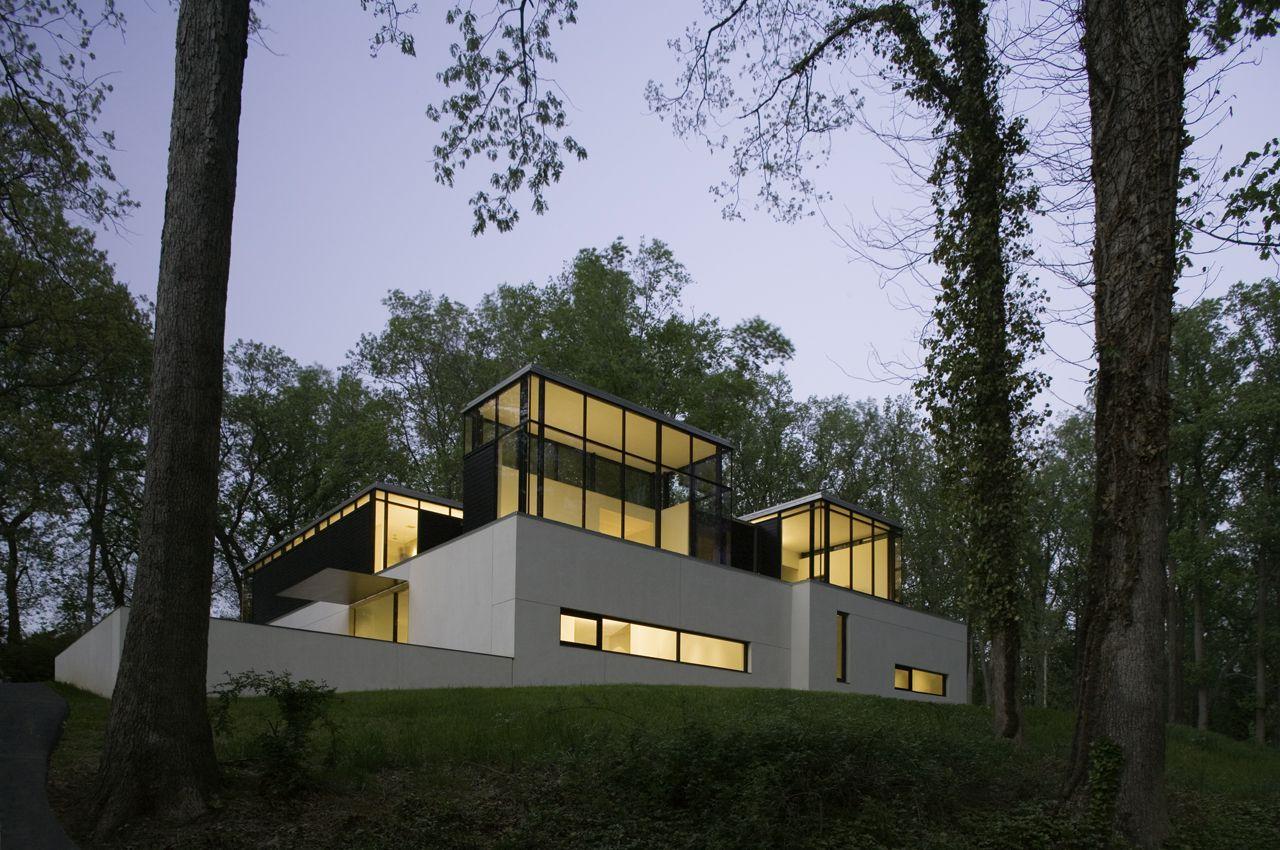 BlackWhite-Modern-Residence-01