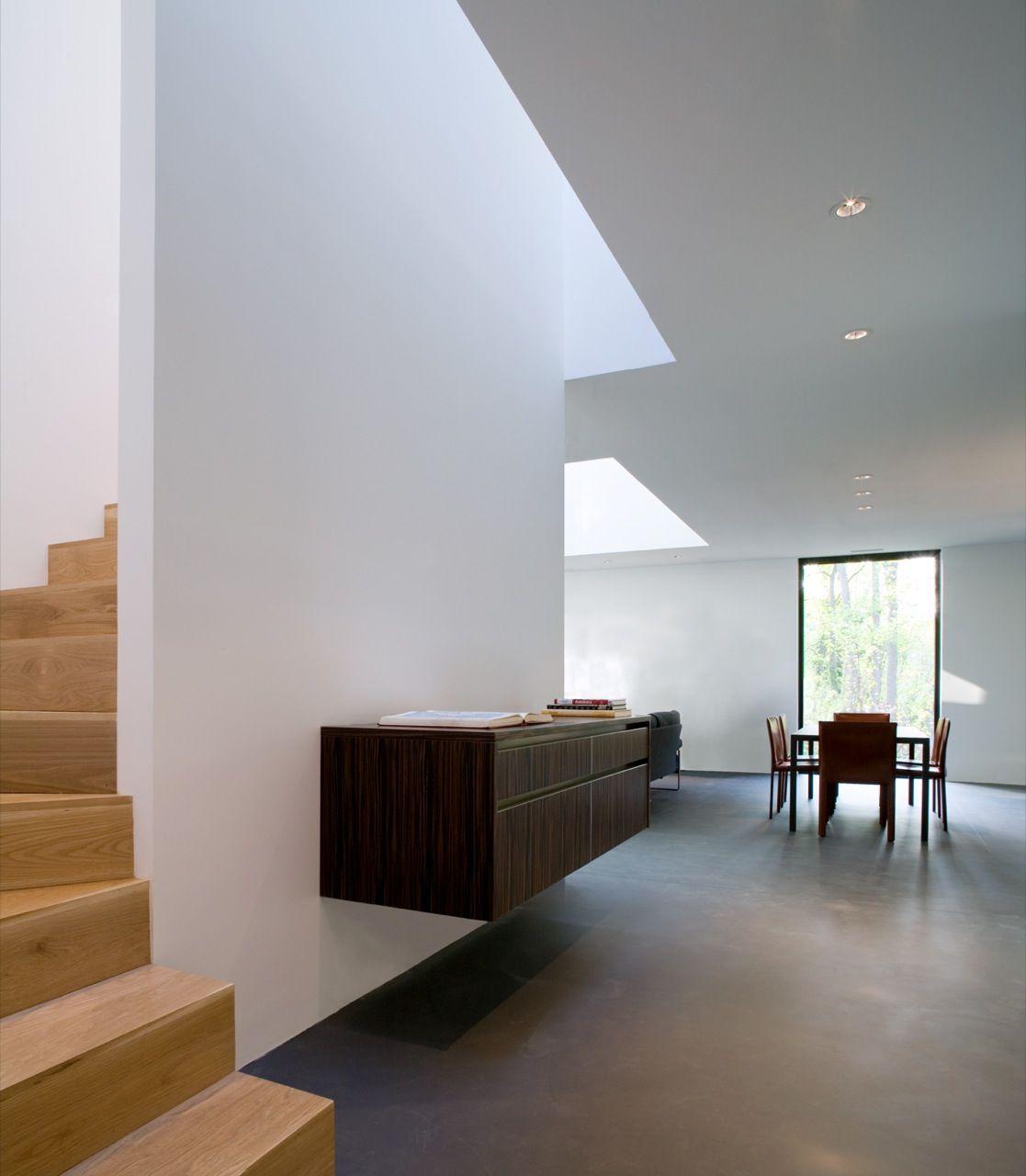 BlackWhite-Modern-Residence-04