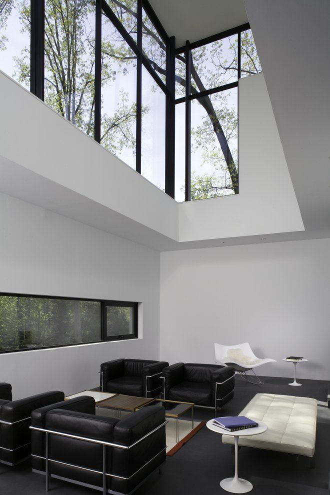 BlackWhite-Modern-Residence-06