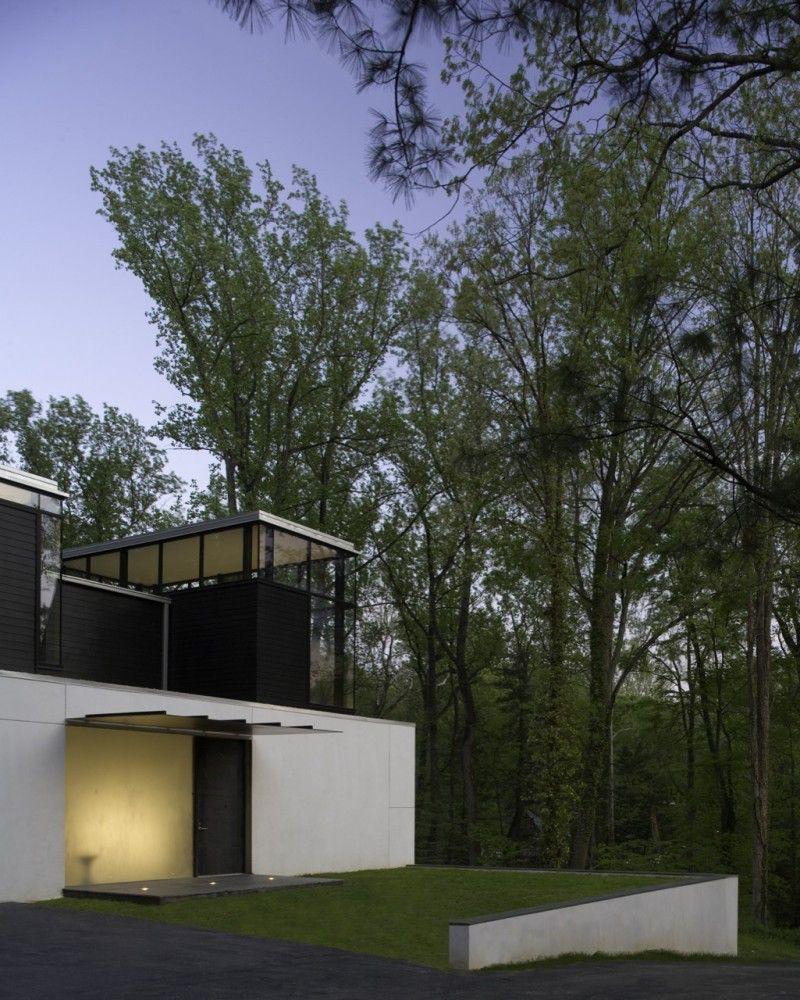 BlackWhite-Modern-Residence-09