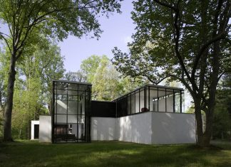 BlackWhite Modern Residence by David Jameson