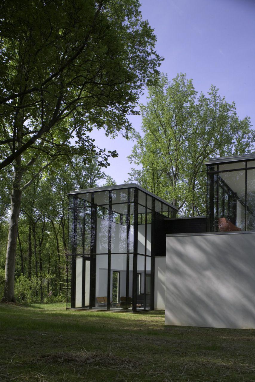 BlackWhite-Modern-Residence-12