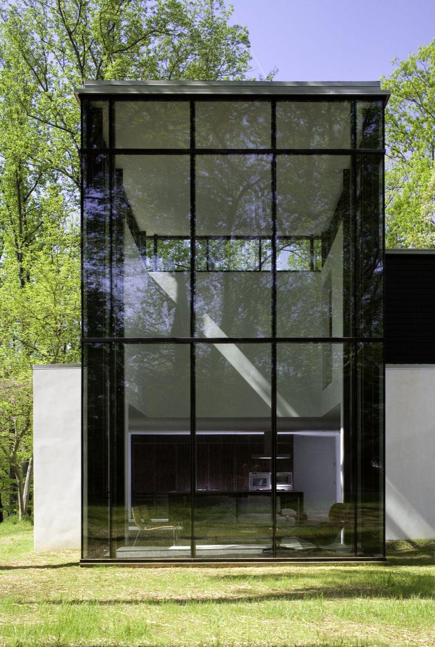 BlackWhite-Modern-Residence-13