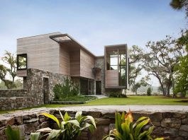 Bray's Island SC Modern I by SBCH Architects