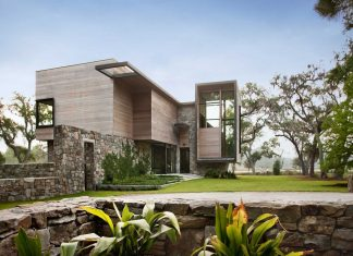 Bray's Island SC Modern I by SBCH Architects