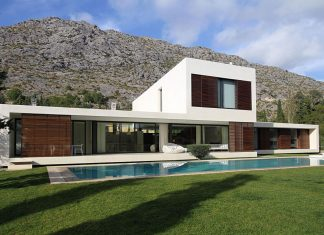 La Font 61 House by Miquel Angel Lacomba