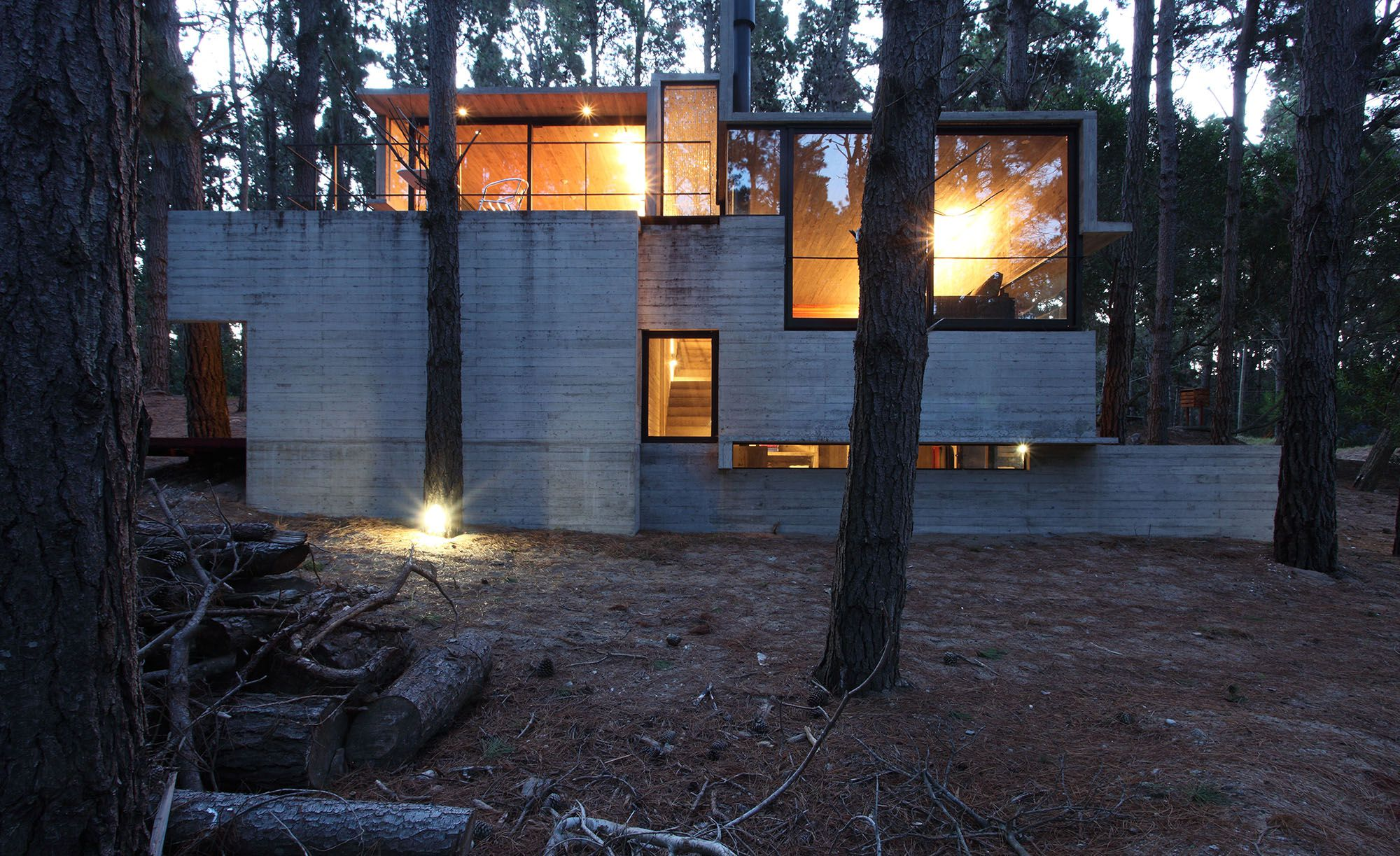Casa levels by mar a victoria beson asa and luciano kruk for Casa minimalista bosque