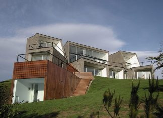 House on the Mountain by Alric Galindez Architects
