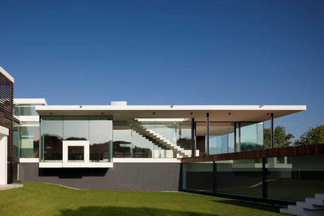 Casa Vale Do Lobo by Arqui+Arquitectura
